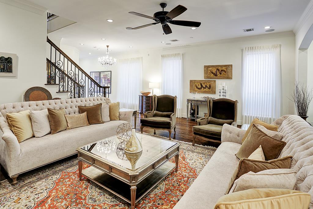 Summer home staging tips to sell your home for Tips on staging your home